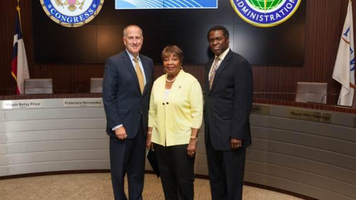 (From Left to Right: Sean Donohue, DFW Airport CEO, Rep. Eddie Bernice Johnson, D-Texas 30th District, and Kelvin Solco, FAA Southwest Region Administrator)